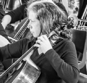 Meet our players – Cathy Oliver, cello